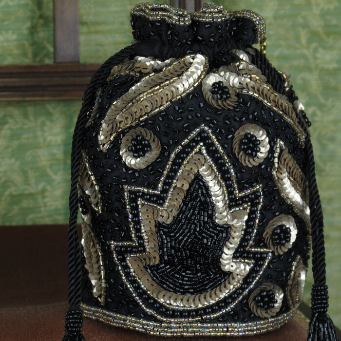 Art-Deco Designed Bucket Bag in Black/Gold