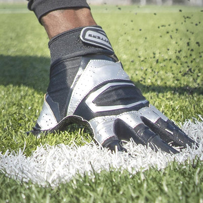 S452 Rev Pro 3.0 Metallic Football Gloves
