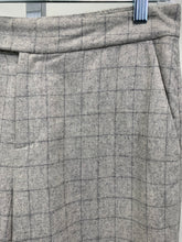 Load image into Gallery viewer, Up close picture of pattern of Women's Trousers