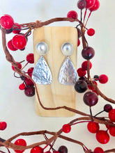 Load image into Gallery viewer, Beacon Silver Earrings