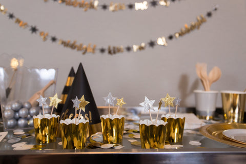Star Treat Toppers in Gold Baking Cups