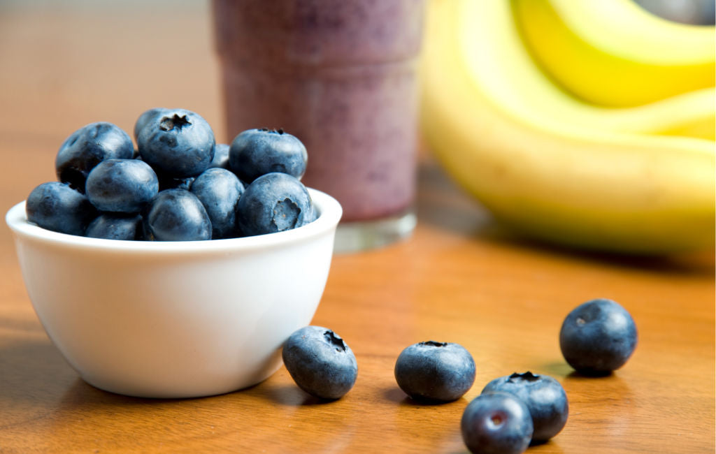blueberry banana smoothie with CBD oil