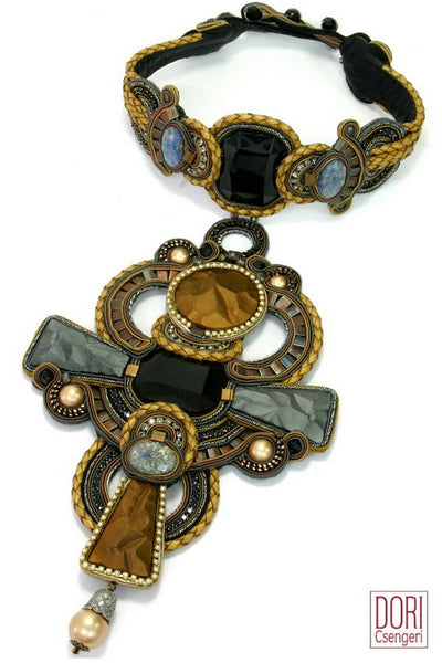 Opera Showstopper Collar