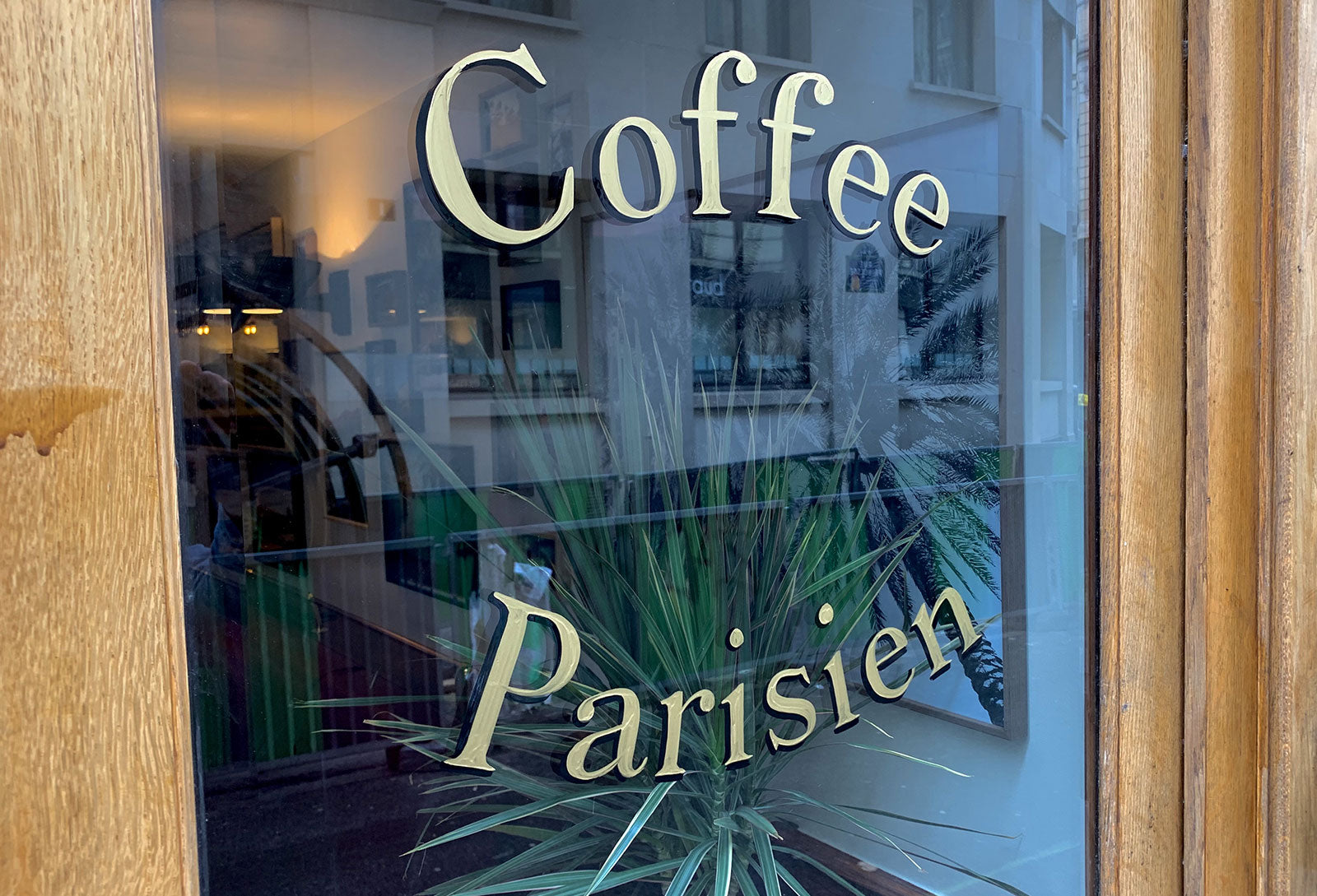 Coffee Parisien, A legendary diner in Paris