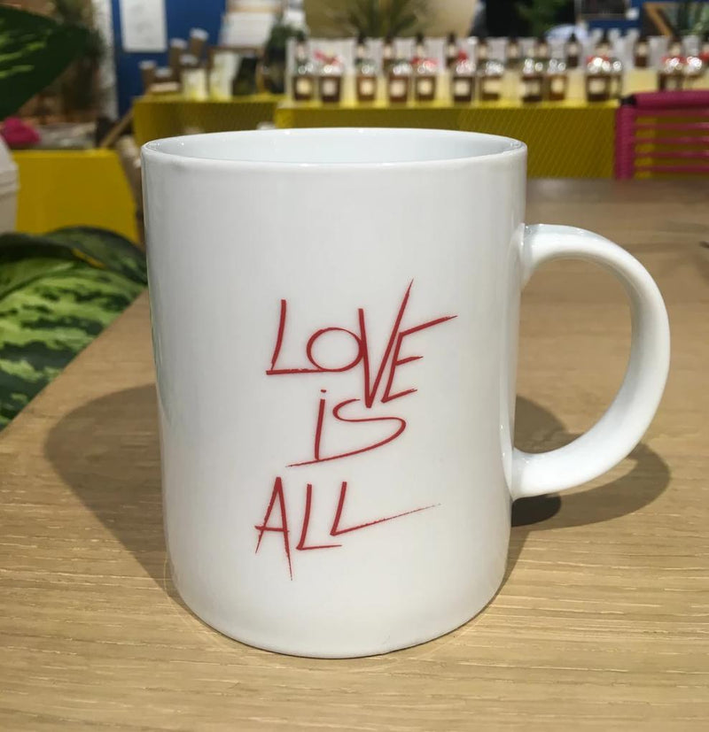 "Mug ""Love is all"""