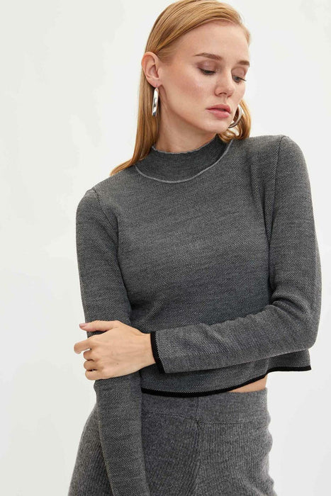 Women Short Knitted  Casual Sweater
