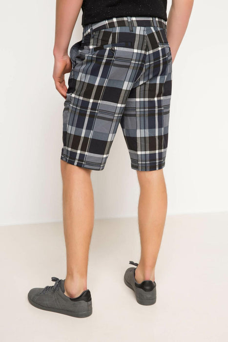 Man Woven Bottom Bermuda Shorts