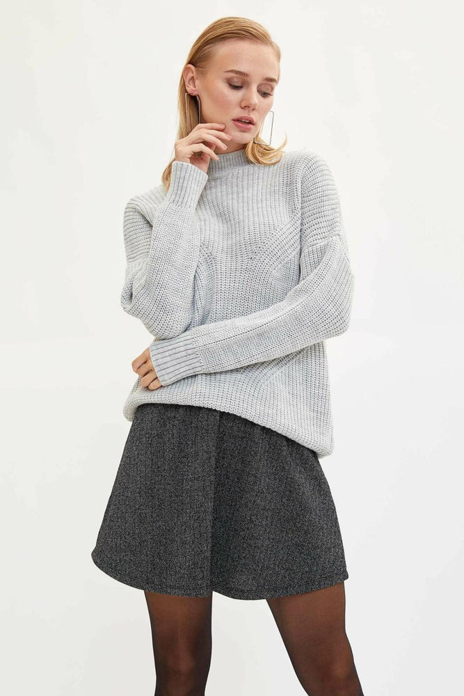 Woman Knitted Skirt