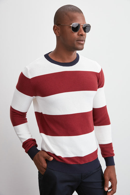 Male Bicycle Neck Line Knitwear Sweater