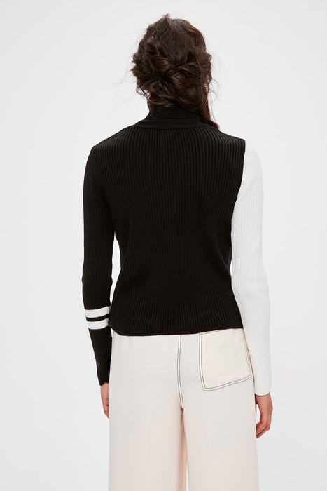 Black Handle With Color Block Sweater Pullover