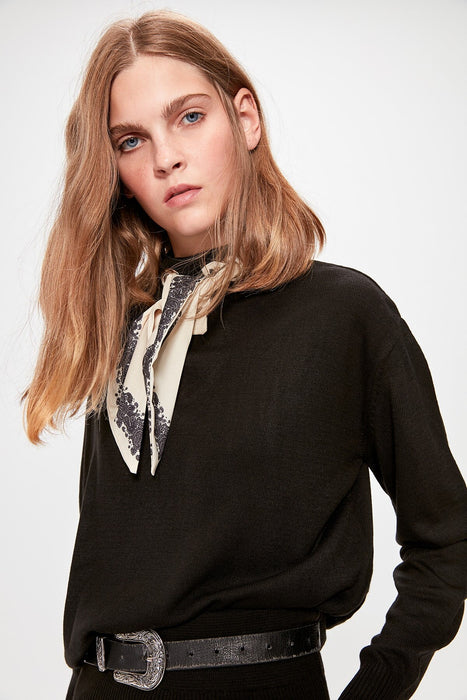 Black Lacing Detailed Knitwear Sweater