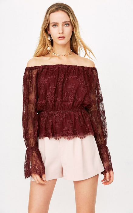 Autumn and Winter New Lace Shoulder Horn Sleeve T-shirt