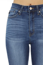 Load image into Gallery viewer, Diane Medium Wash Skinny - Smith & Vena Online Boutique