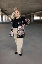 Load image into Gallery viewer, Sammie Cropped Pants In Sand - Smith & Vena Online Boutique