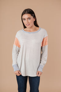 Lulu Contrast Long Sleeve Top In Heather Gray