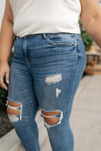 Load image into Gallery viewer, Danica Destroyed Skinny Jeans - Smith & Vena