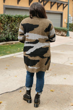 Load image into Gallery viewer, Camouflage Cardigan