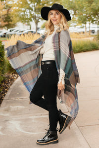 Basic Poncho in Light Gray