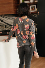 Load image into Gallery viewer, The Bailey Top in Charcoal - Smith & Vena Online Boutique