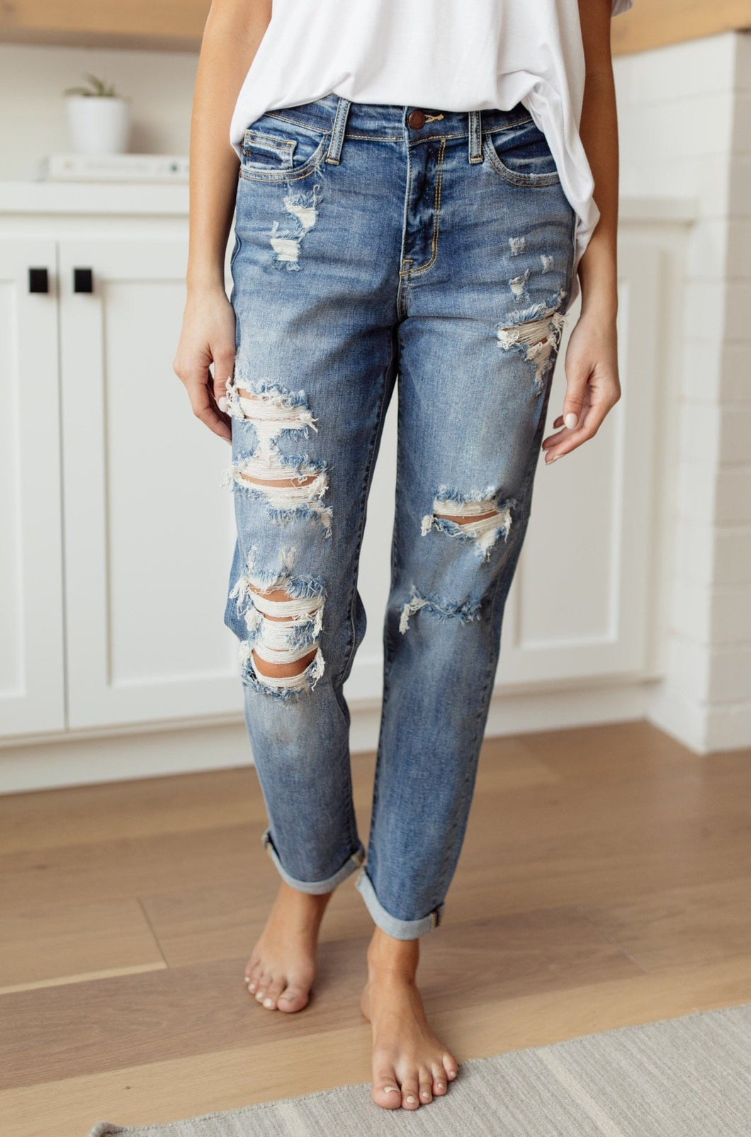 Warmer Weather Lightwash Cropped Jeans - Smith & Vena