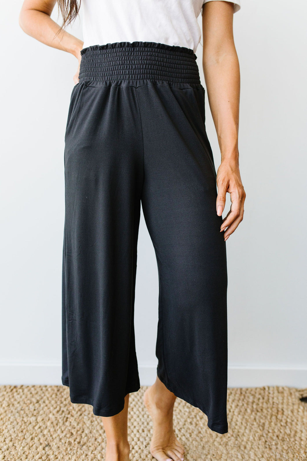Zoe Gaucho Pant Black - SAMPLE - Smith & Vena Online Boutique
