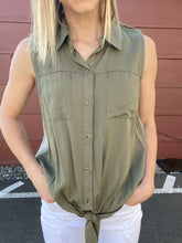 Load image into Gallery viewer, Miles Button Down Top- SAMPLE - Smith & Vena Online Boutique