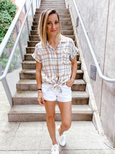Load image into Gallery viewer, Clean Slate White Jean Shorts - SAMPLE SALE - Smith & Vena Online Boutique