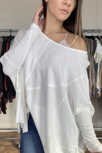 Load image into Gallery viewer, Dylan Oversized Top- White - Smith & Vena Online Boutique