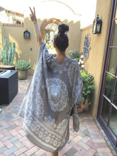 Load image into Gallery viewer, Jasmin Midi Kimono- Grey - Smith & Vena