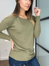 Load image into Gallery viewer, Joleen Tunic Top - Olive - Smith & Vena Online Boutique