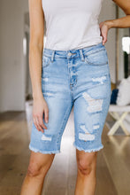Load image into Gallery viewer, Karly Bermuda Shorts- SAMPLE - Smith & Vena