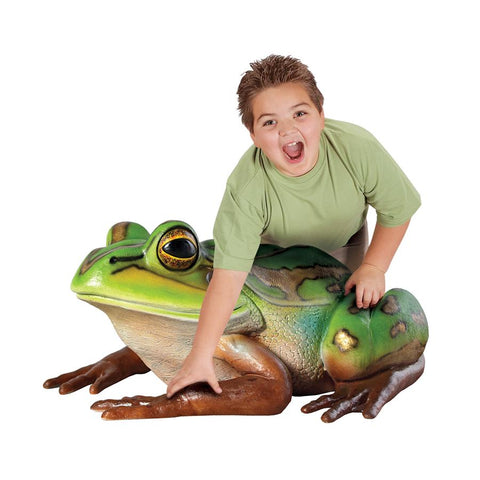 Pine Barrens Giant Tree Frog Statue - Sculptcha
