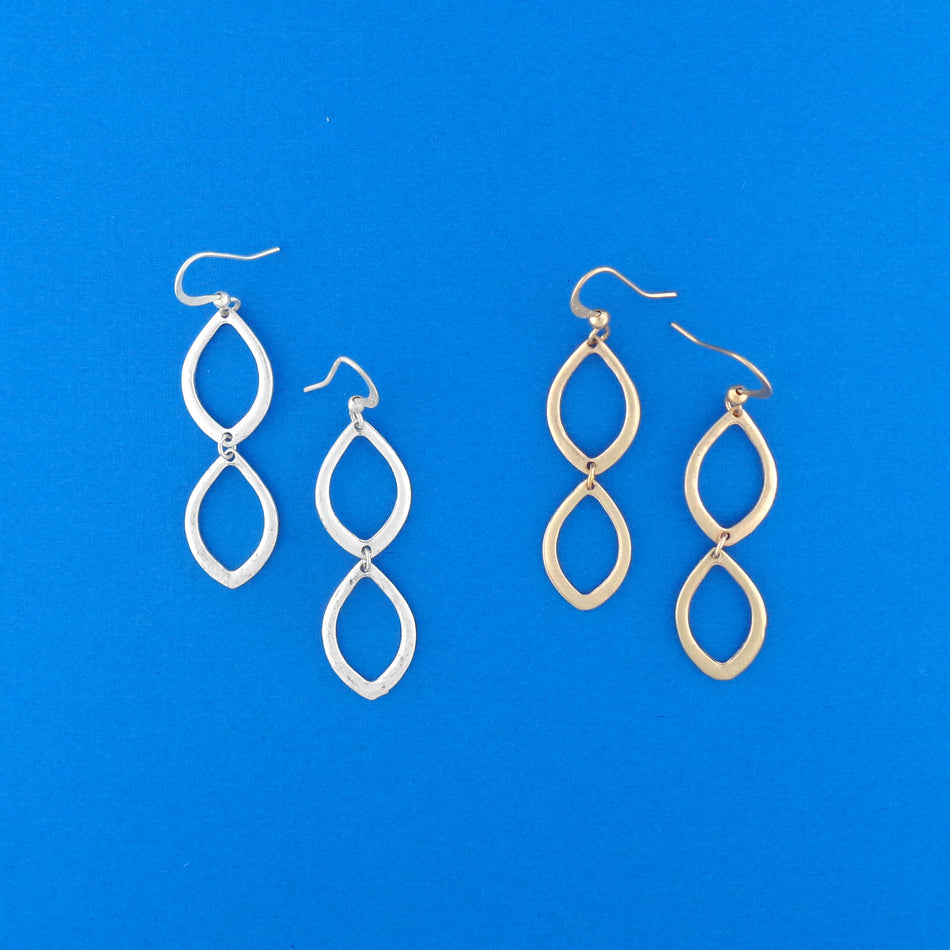1-008: Silver/gold plated earrings