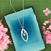 1-104N: Silver plated chic geometric pendant necklace