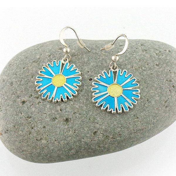 Shop LAVISHY handmade silver plated enamel daisy earrings. A great gift for you or your girlfriend, wife, co-worker, friend & family. Wholesale available at www.lavishy.com with many unique & fun fashion accessories for gift shops and boutiques in Canada, USA & worldwide.