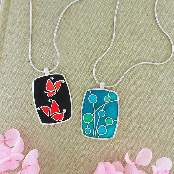 101-182: Handmade Enamel Reversible Necklace