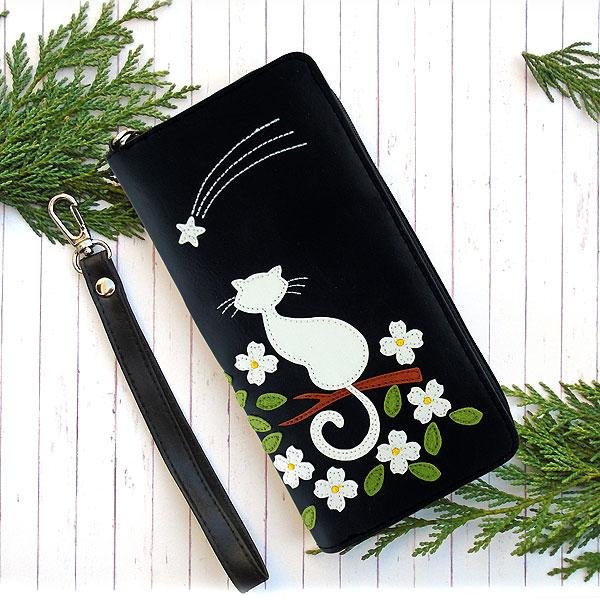 Online shopping for vegan brand LAVISHY's Eco-friendly cruelty free cat applique vegan large wristlet wallet. Great for everyday use & travel, cool gift for family & friends. Wholesale at www.lavishy.com for gift shops, clothing & fashion accessories boutiques, book stores in Canada, USA & worldwide since 2001.