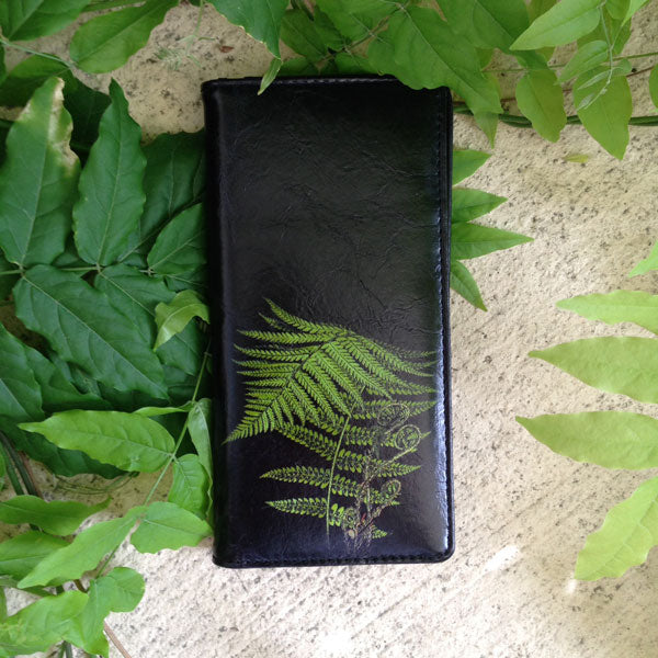 Shop vegan brand LAVISHY's vegan/faux leather vintage style fern leaf print vegan large wallet. It's a great gift idea for you or your friends & family. Wholesale available at www.lavishy.com with many unique & fun fashion accessories.