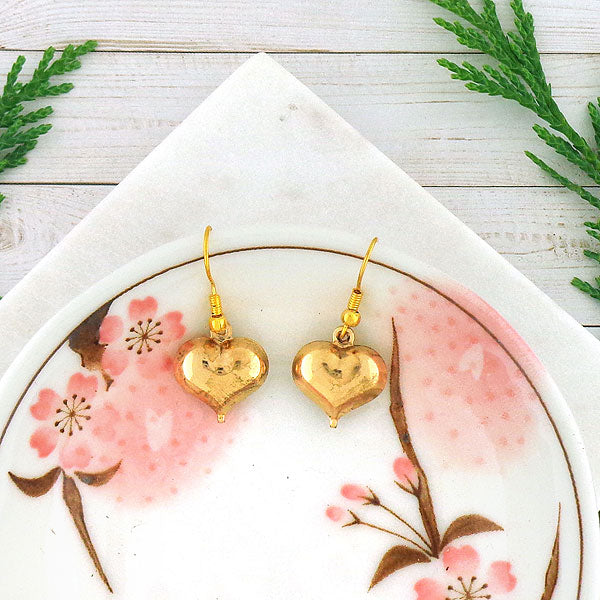 Online shopping for golden heart drop earrings. A thoughtful gift for you or your girlfriend, wife, co-worker, friend & family. Wholesale at www.lavishy.com with many unique & fun fashion jewelry.