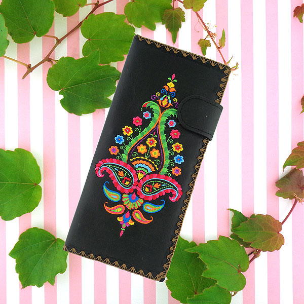 Designed by PETA approved vegan brand LAVISHY, this Eco-friendly, ethically made, cruelty free large flat wallet for women features delightful embroidery motif of paisley. Wholesale available at www.lavishy.com along with other unique & fun vegan fashion accessories for retailers like gift shop & boutique.