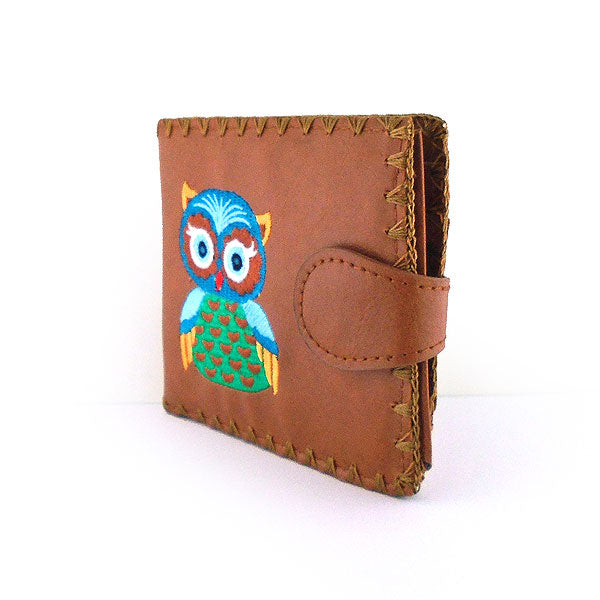 Online shopping for embroidered owl vegan medium bifold wallet for women by vegan brand LAVISHY, this Eco-friendly, ethically made, cruelty free wallet's lovely embroidery motif is framed by decorative stitches around the edge. Wholesale at www.lavishy.com with uniquefun fashion accessories for gift shop, boutique & corporate buyers.