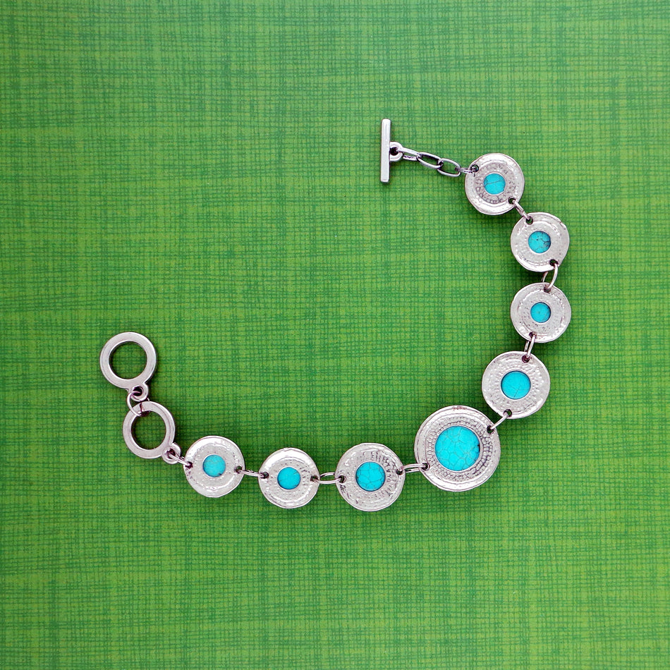 Online shopping for LAVISHY's fun & affordable handmade turquoise stone bracelet with bohemian vibe. A great gift for you or your girlfriend, wife, co-worker, friend & family. Wholesale available at www.lavishy.com with many unique & fun fashion accessories.