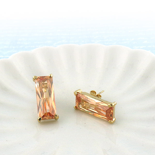 Online shopping for cubic zirconia stud earrings. A great gift for you or your girlfriend, wife, co-worker, friend & family. Wholesale available at www.lavishy.com with many unique & fun fashion accessories.