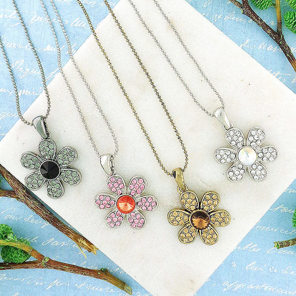 CO-075: Daisy pendant necklace with Austrian crystal accent