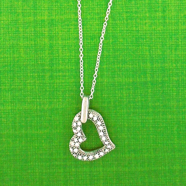 CO-095: Heart necklace with Austrian crystal accent