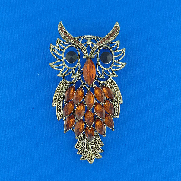 CO-140: Resin & crystal studded owl brooch