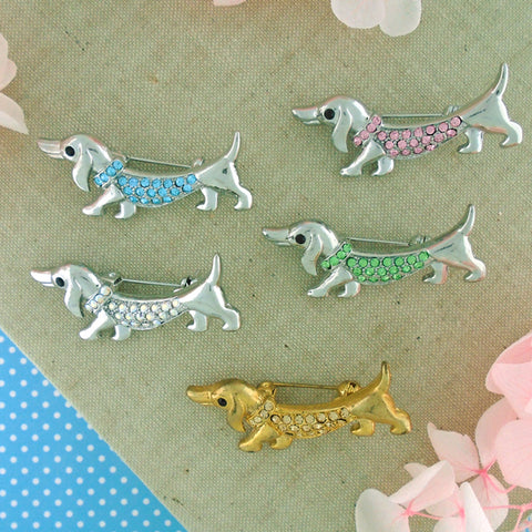 Online shopping for rhodium/gold plated Austrian crystal studded dog brooch. A great gift for you or your girlfriend, wife, co-worker, friend & family. Wholesale at www.lavishy.com with many unique & fun fashion accessories.