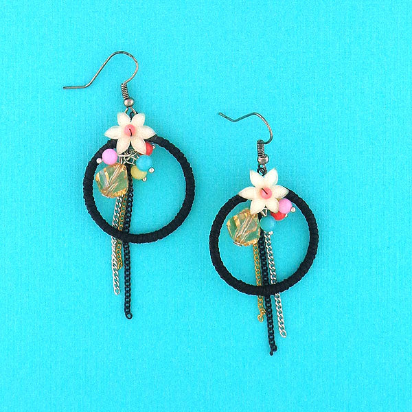 GE006: Handmade earrings with resin flower & glass beads