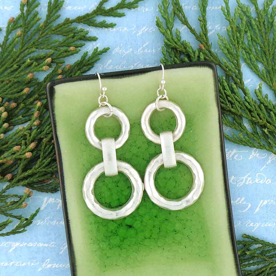 Shop LAVISHY LAVISHY stylish double circle drop earrings with charming hammered texture details are unique and affordable. A beautiful gift for you or your friends and family. They come with FREE LAVISHY gift box to make gift giving easy and fun!