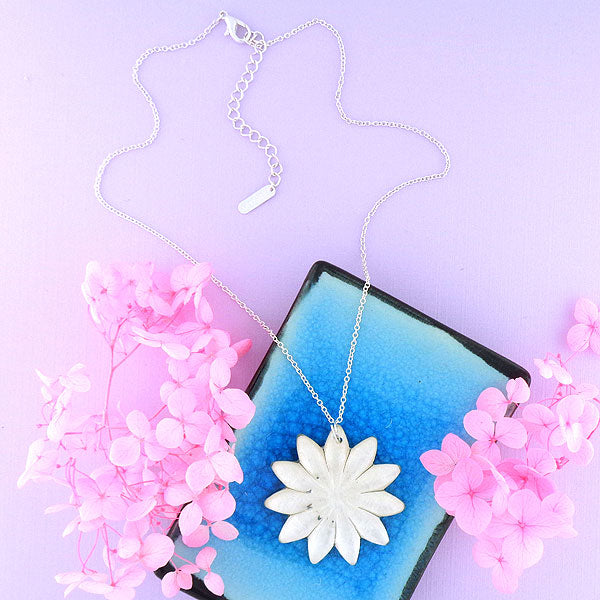 Online shopping for handmade resin flower pendant necklace by LAVISHY in Toronto Canada exclusive for LAVISHY Boutique. It will add lovely colors to your outfit.